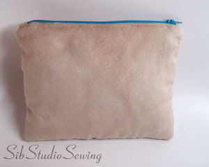 Beige-suede-zipper-pouch-by-sibstudiosewing-at-etsy_9595
