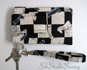 Chess-Smartphone-wristlet-by-sibstudiosewing-at-etsy-_9628